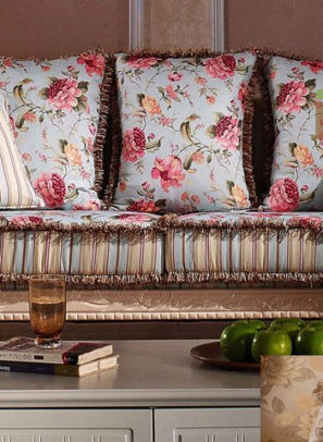 Sofa cổ điển điểm nhấn hoàn hảo cho căn nhà cổ điển